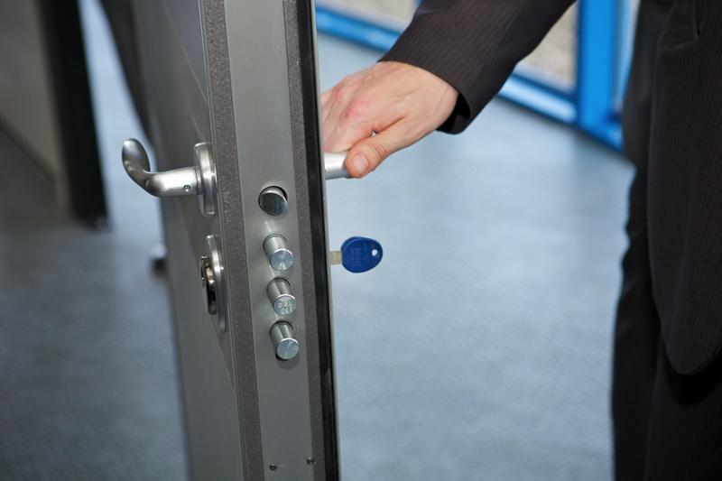 Sos cl s service blocs portes portes blind es for Ouverture de porte claquee